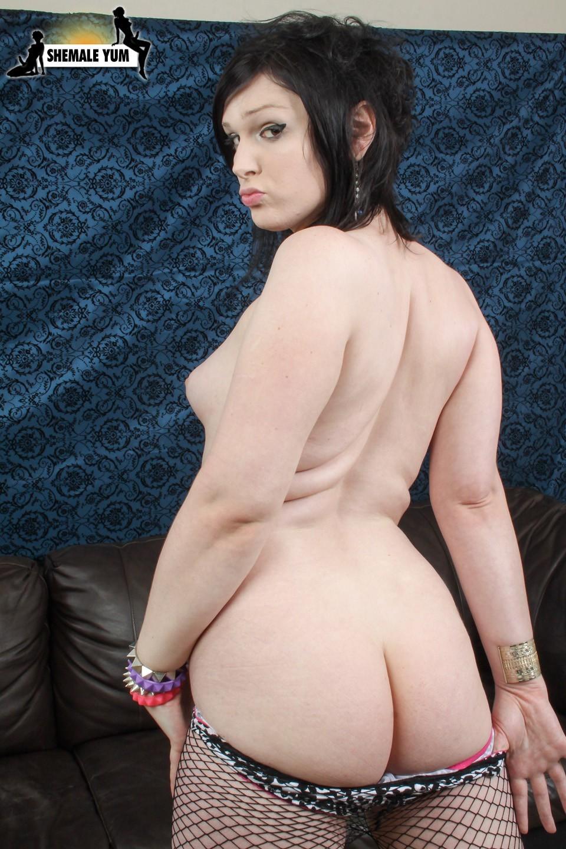 Pale Skinned Transexual Rebeka Refuse Posing Naked