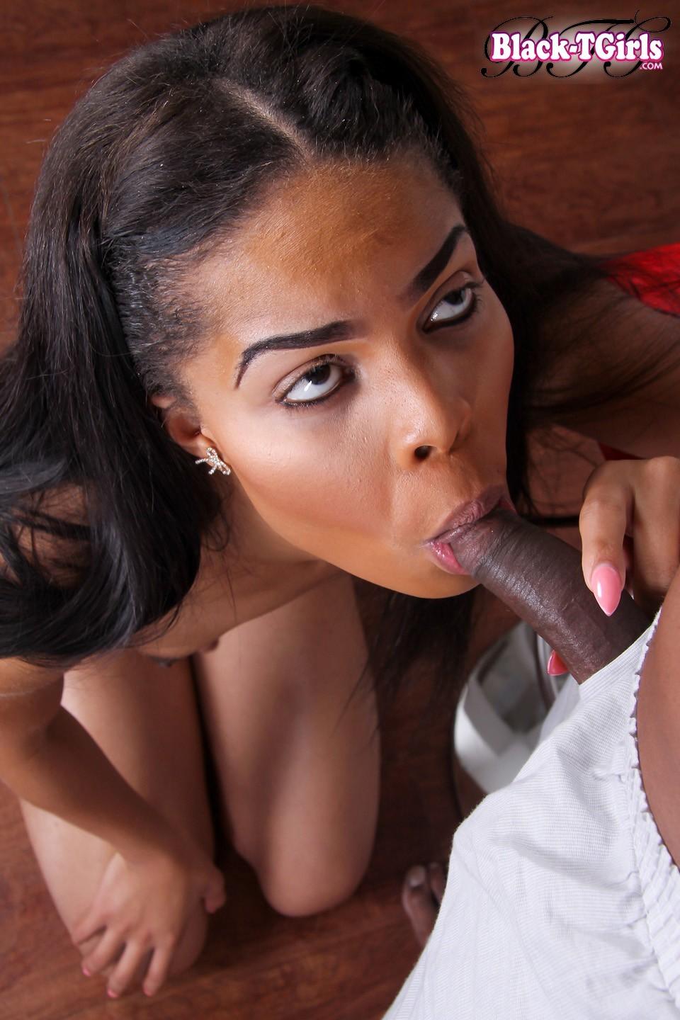 provoking black t girl lola foxx nailing