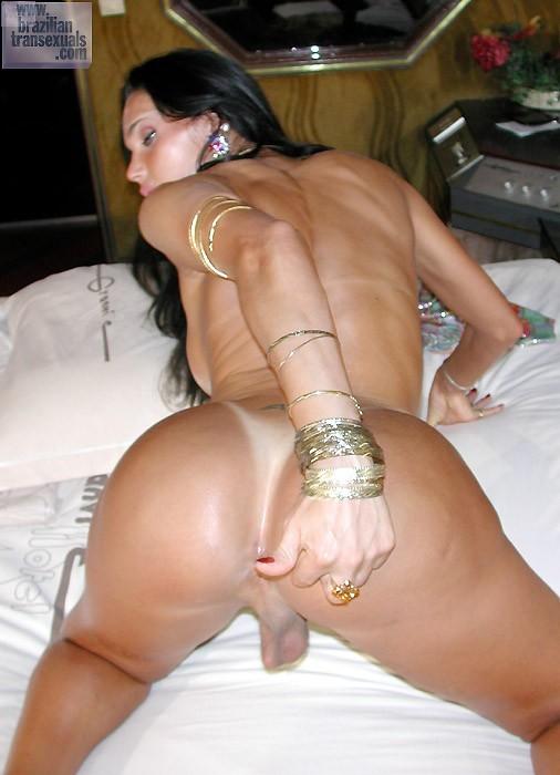 Racy Brazilian Tbabe Posing