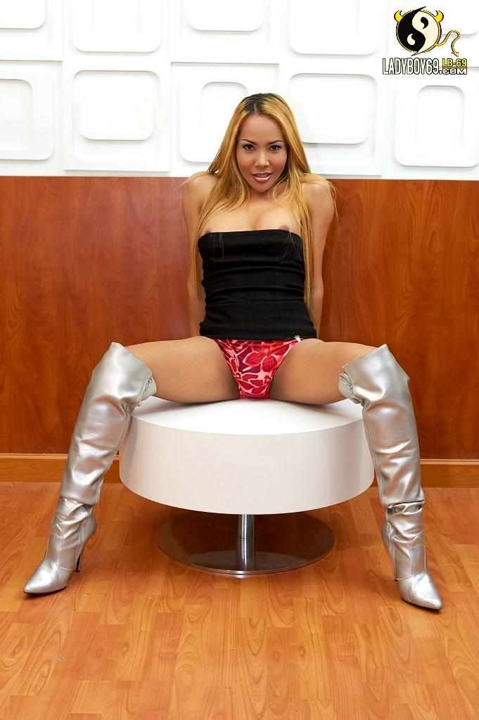 Racy Talisha In Silver Boots