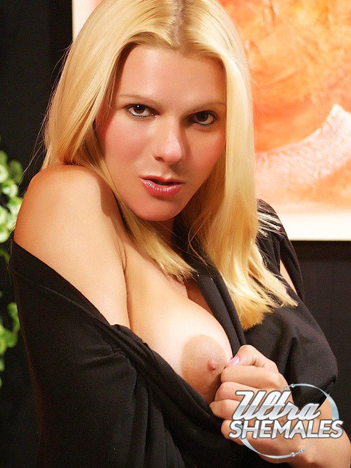 Samara De Macedo Puffy Nippled Brazilian TGirl