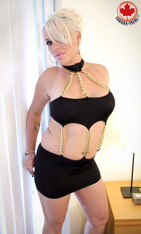 Sarah Vamparah Is Hot Blonde TGirl