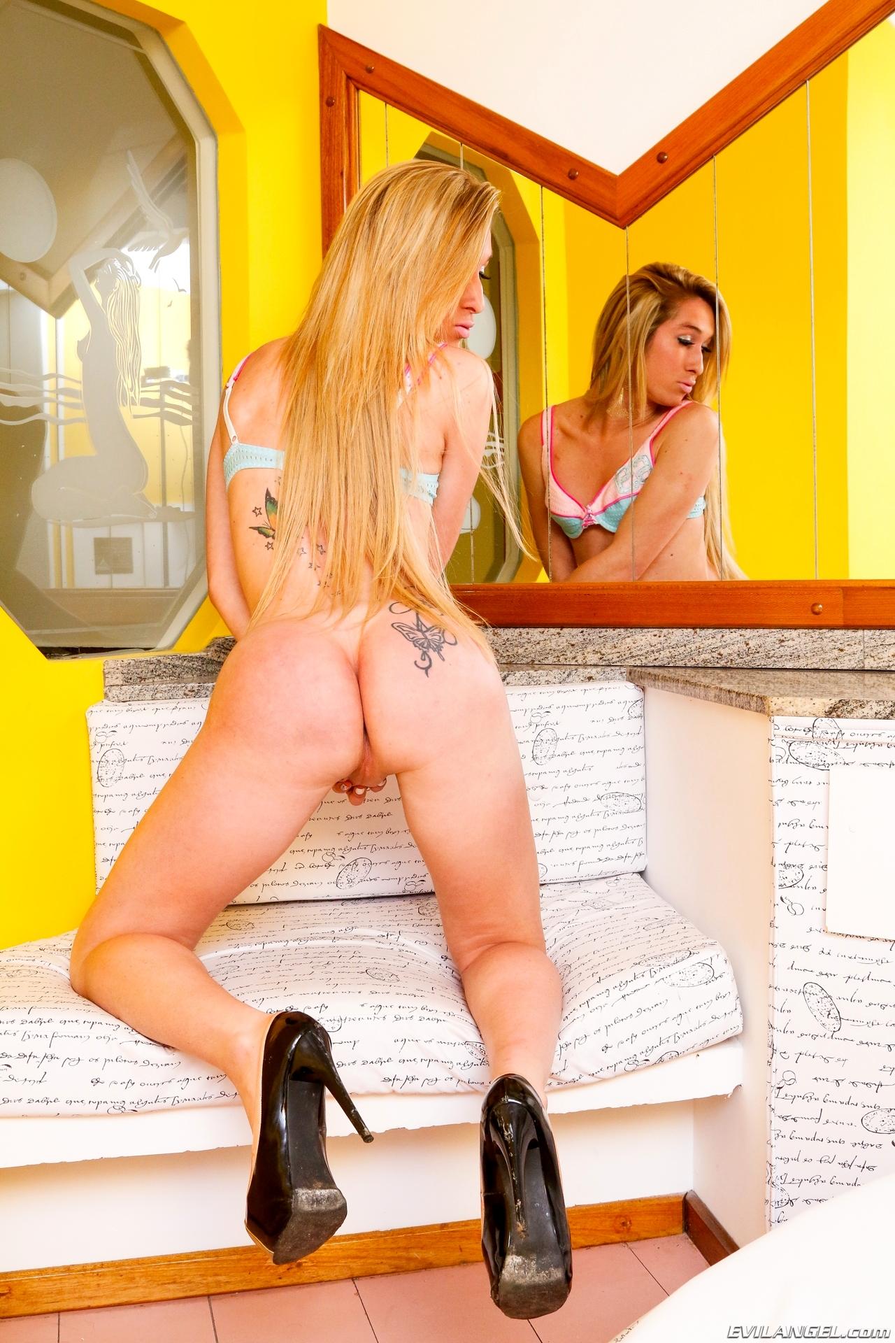 Sensual Blonde Djeniffer Schneider T-Girl Posing In Steamy Panties