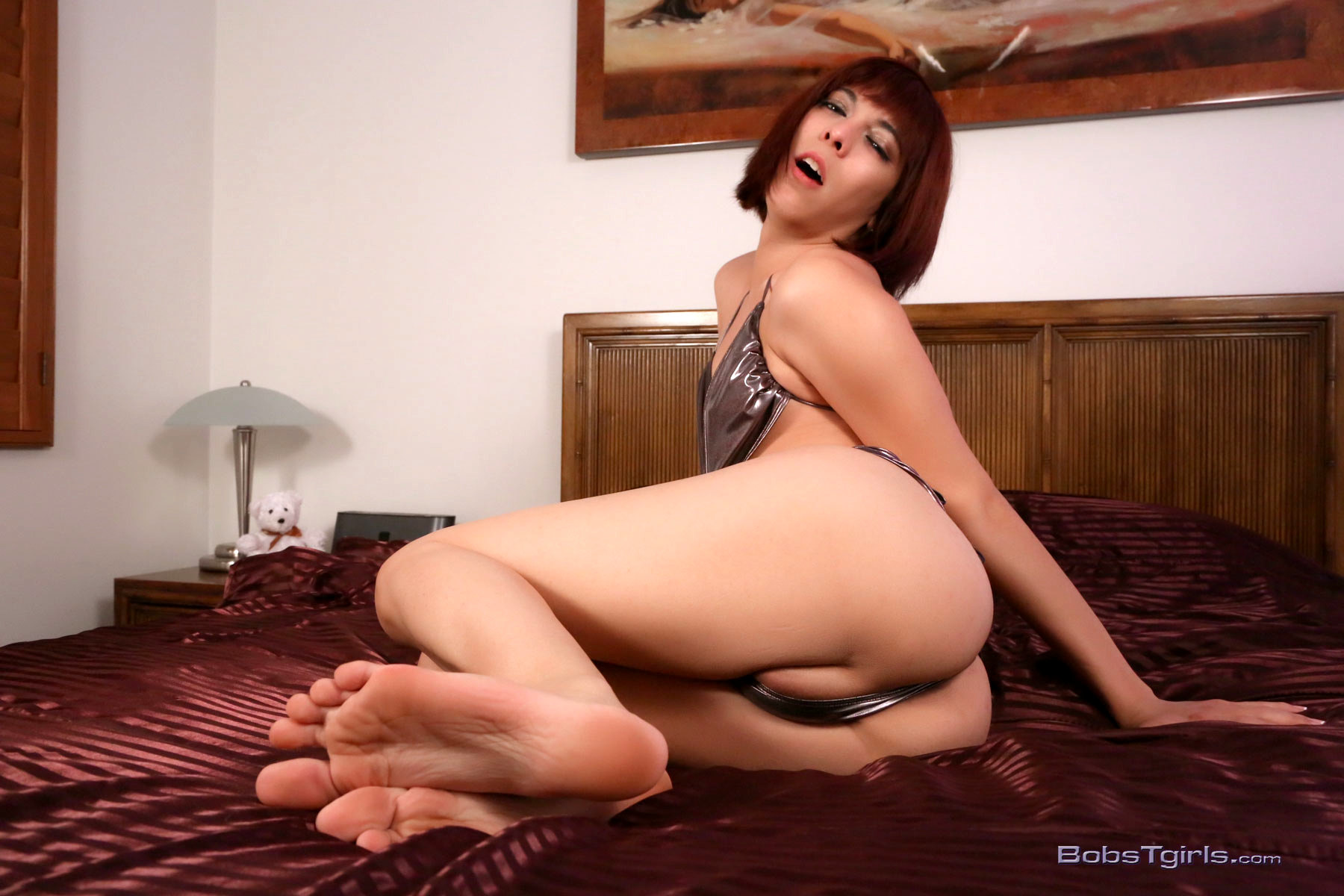 Sensual Kendra Spreads And Plays