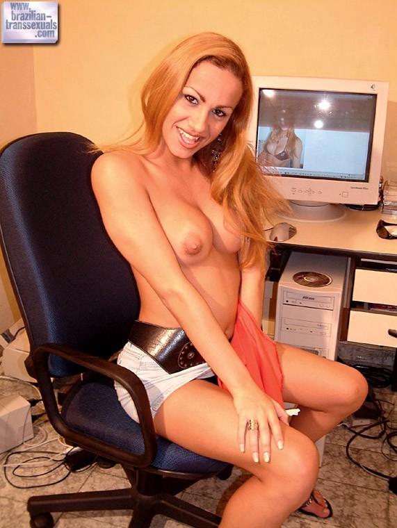 Sensual T-Girl Taking Her Clothes Off