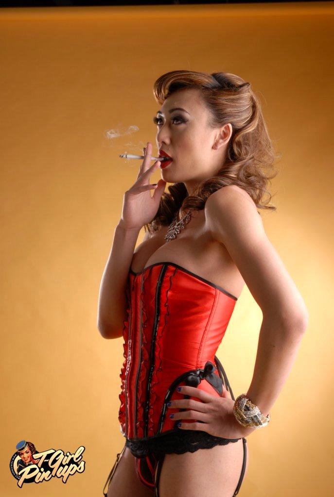 Sensual T Girl Venus Poses In Yummy Skirt