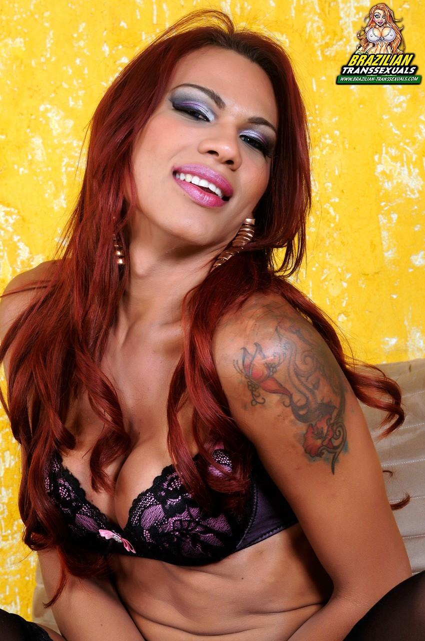 Sensual TGirl Mylla Pereira Stroking