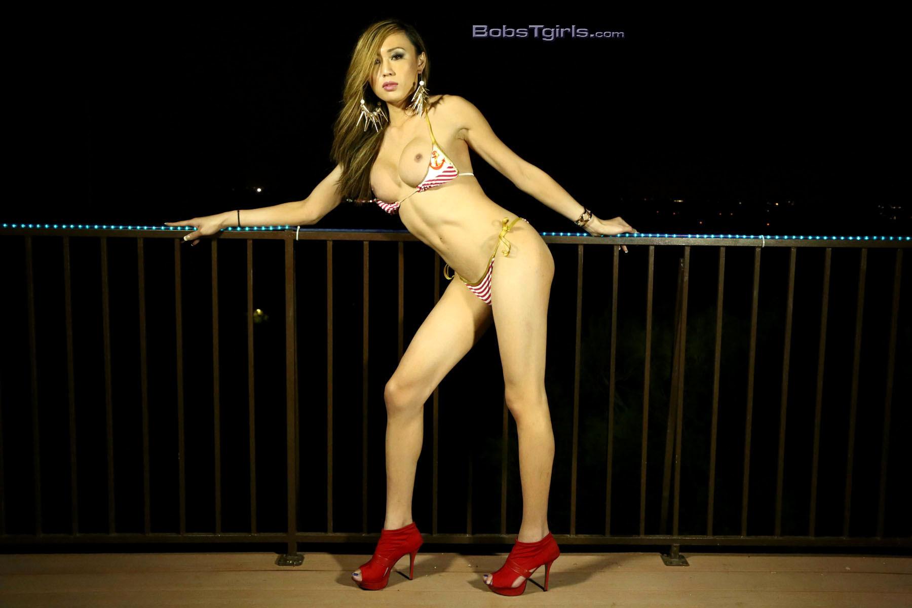 Sensual Venus Strips & Spreads