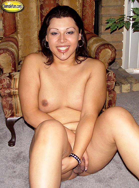 sensuous t girl roxi is horny today