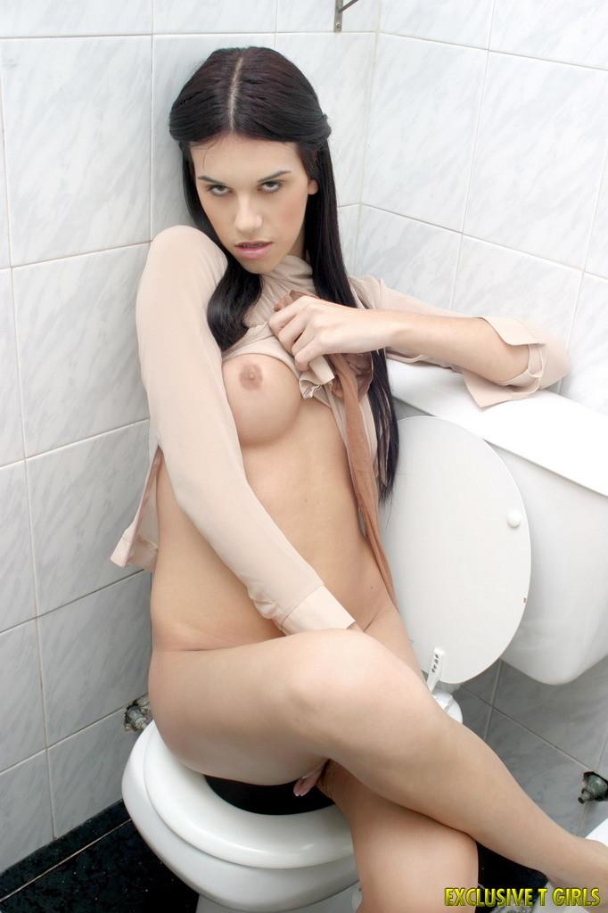 Sensuous Tranny Luciana Bano In The Toilet