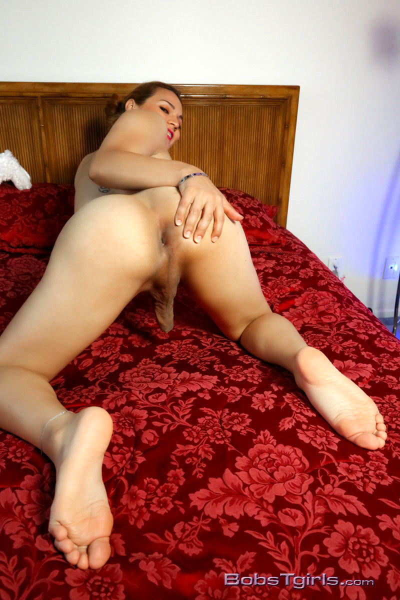 Sexy Shemale Gaby Watching Her Lovely Body
