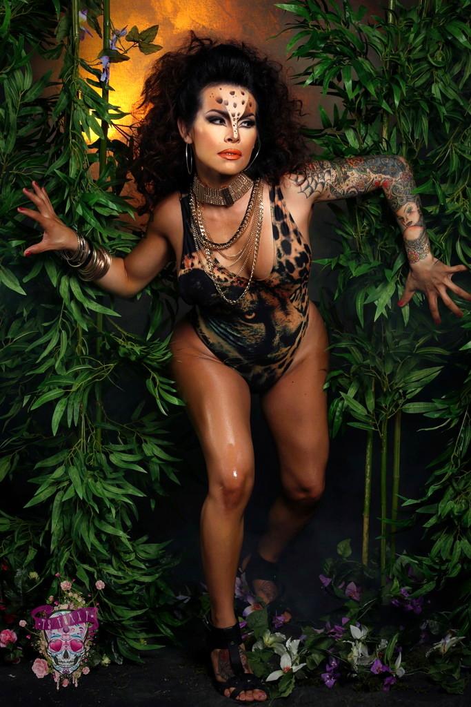 Splendid Foxxy Stripping In Jungle