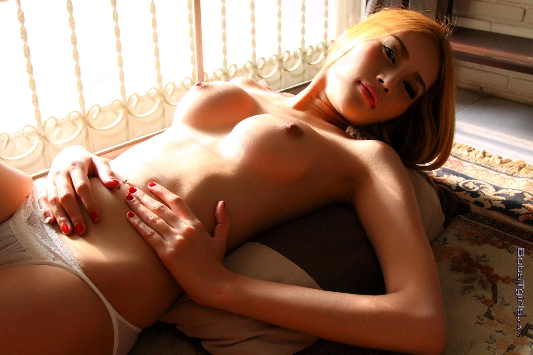 Splendid Honey Strips And Poses