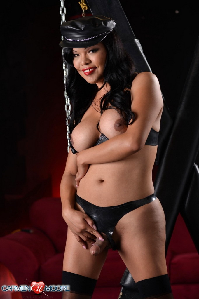 Starved Carmen In Leather & Chains