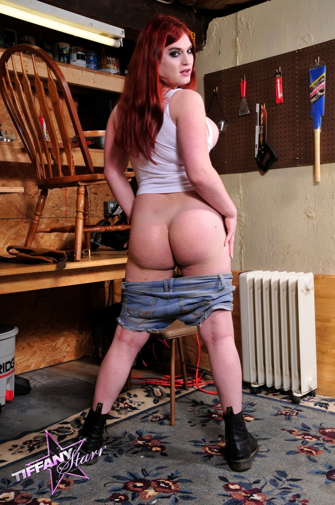 Starved Handyman Tiffany Posing