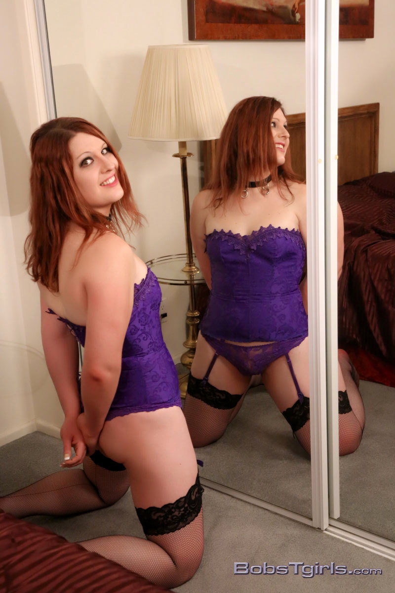 starved leah in corset stockings