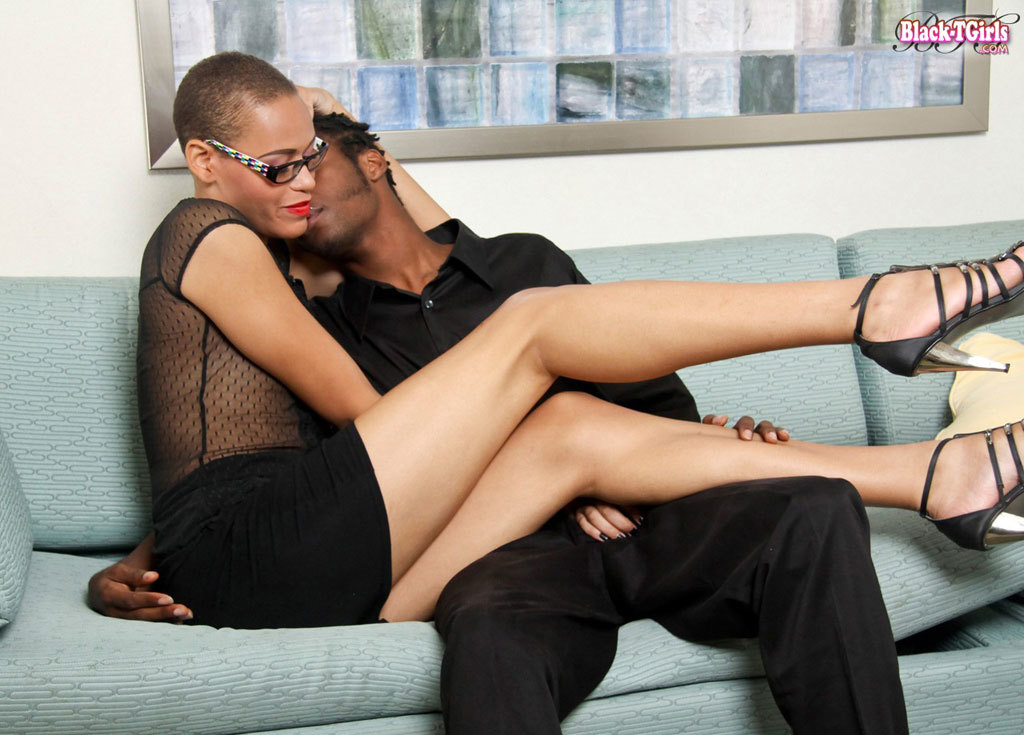 sweet bald t girl amber skye with glasses sucks a mean tool
