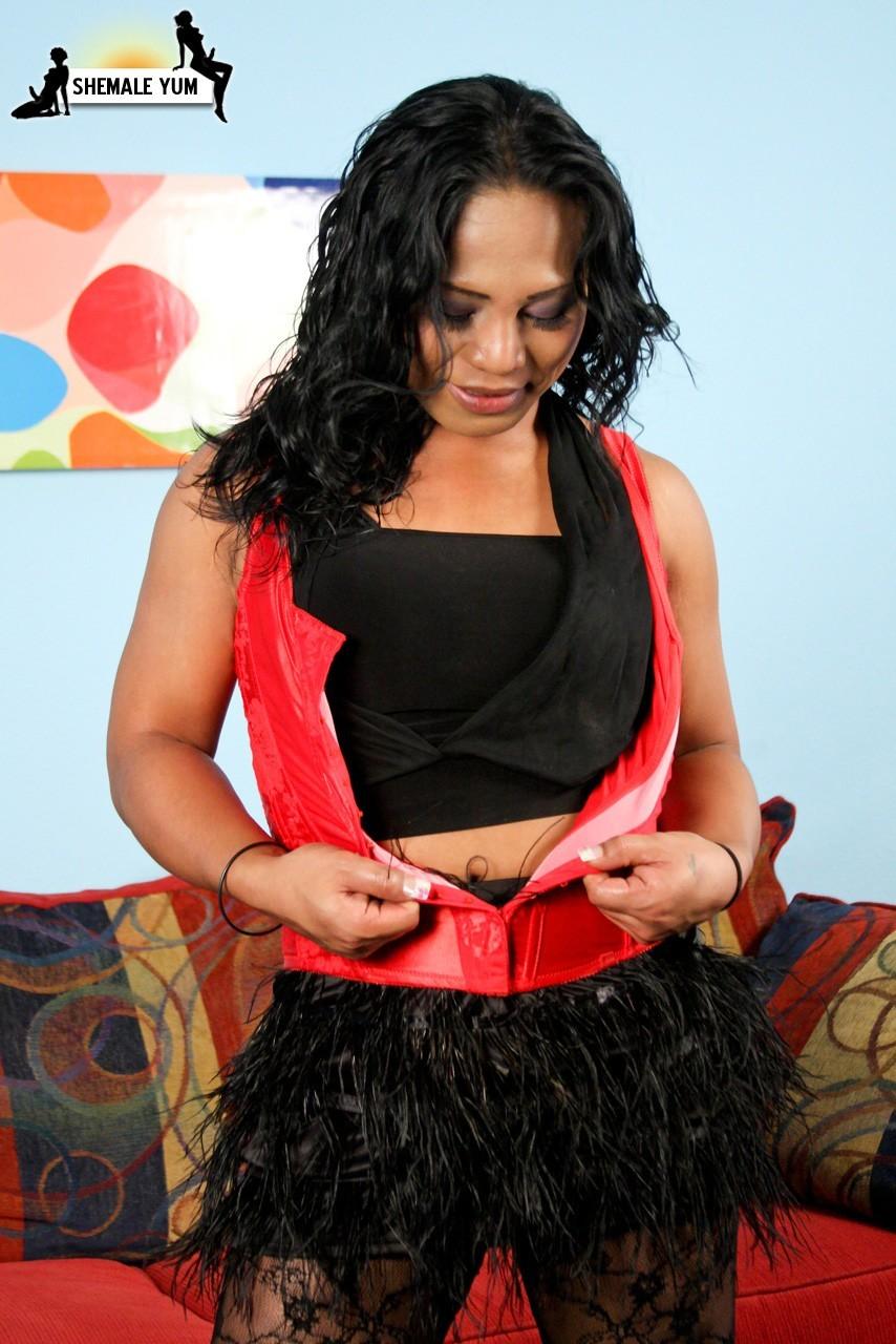T-Girl Ayeshia In Red Corset