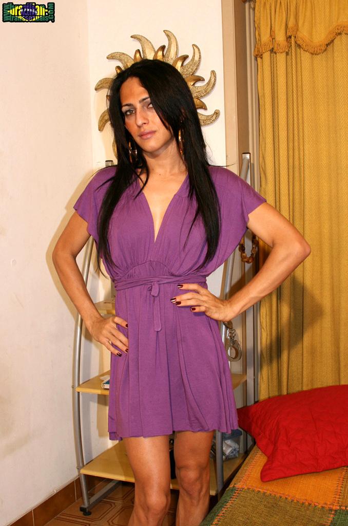 T-Girl Luana Varela Toying Her Butt