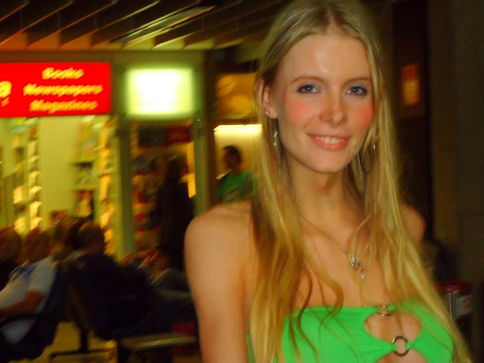 Taissi Fontini In Green Skirt