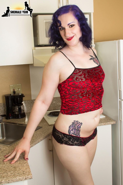 Taylor Criss Slutty In The Kitchen