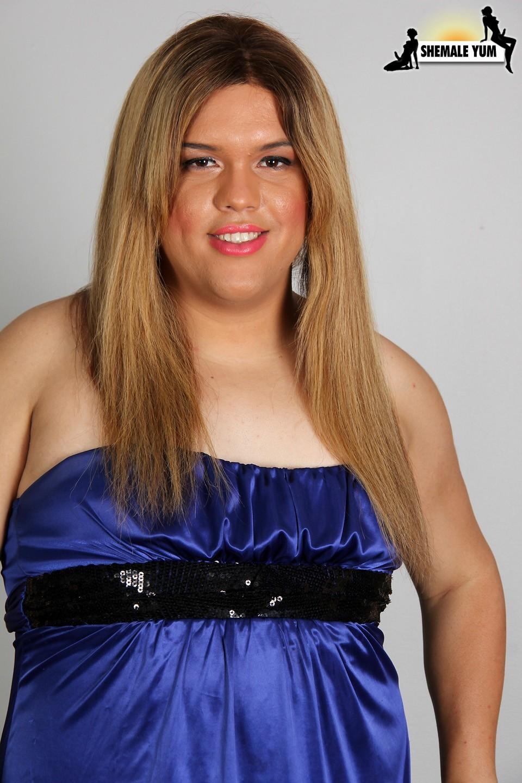 TGirl Kim Beautiful Chubby Blonde In Blue Skirt