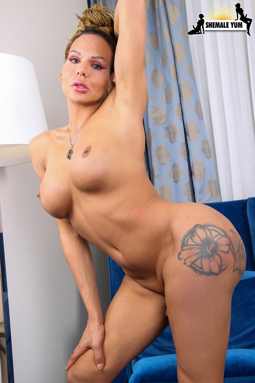 Titillating Allissa Posing