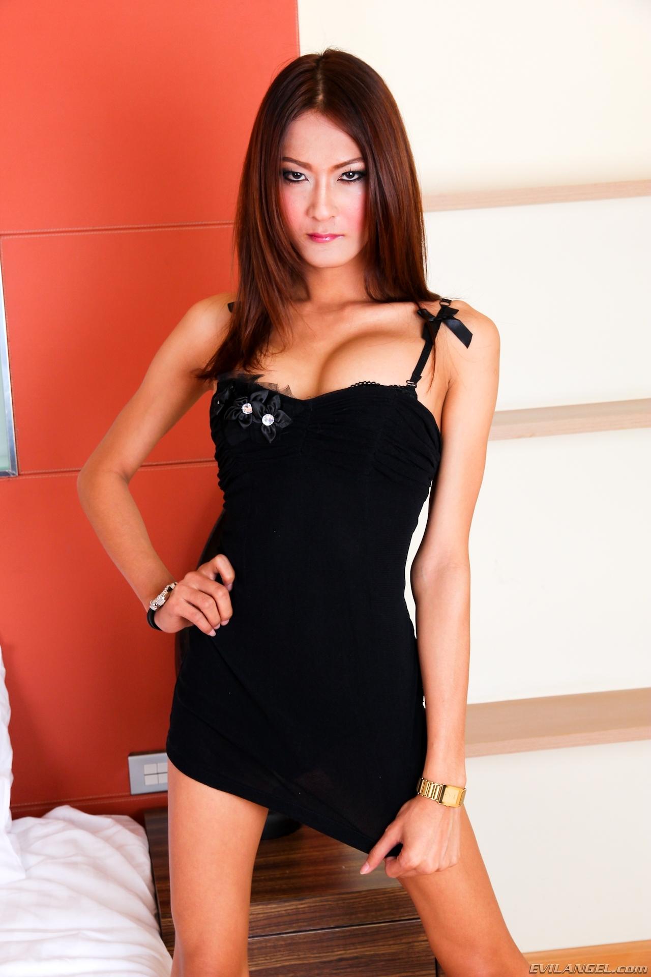 Toon In Tinie Black Skirt Toon