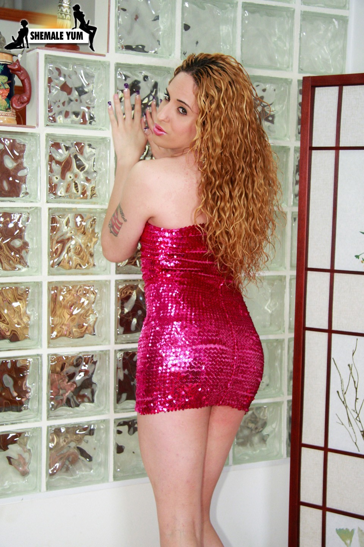 Transexual Hottie Alana Lopez Teasing In Short Skirt