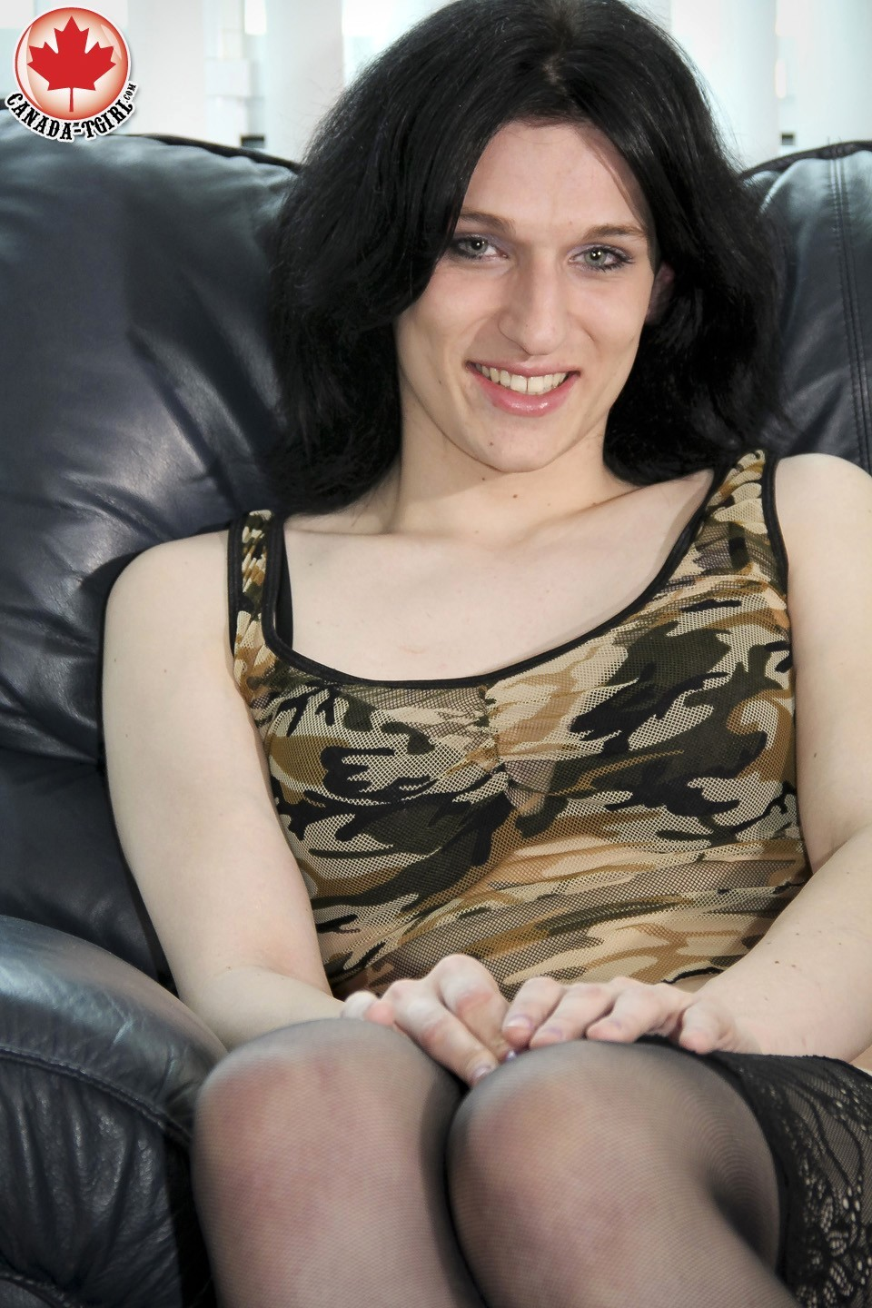 transexual maria skye loosing her outfit