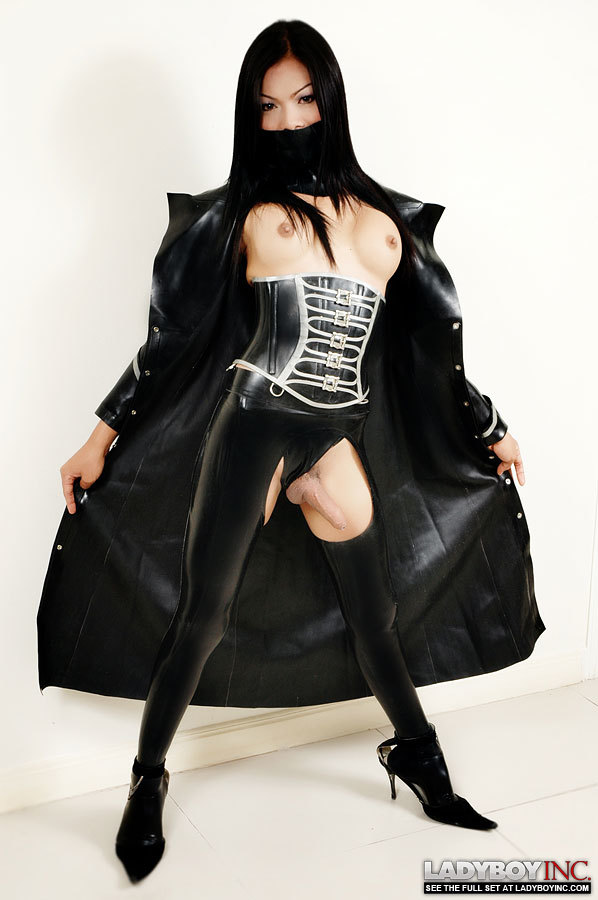 transexual rose in latex flashes off her raw dick