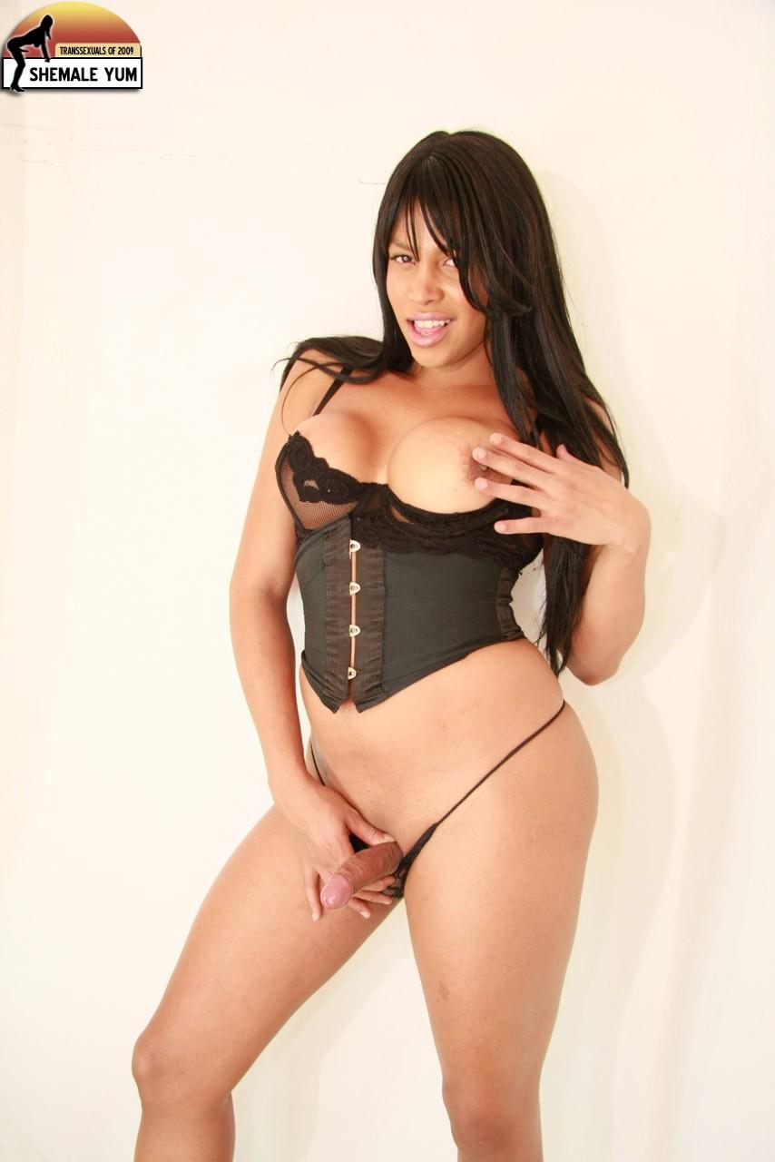 Ts Lorena Escalera In Black Skirt