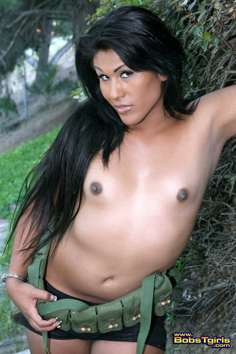 ts miranda posing as a nasty commando girl