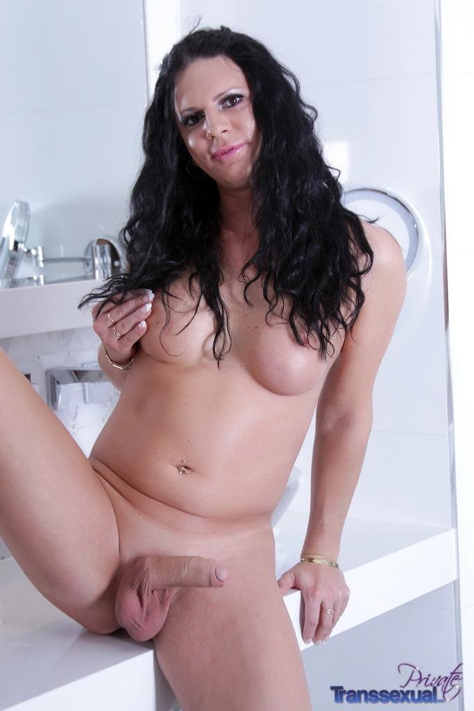 Unbelievable Lina Cavalli Fingers In The Bathroom