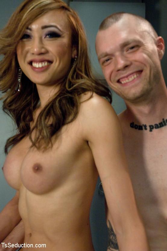 Venus Lux Suggestive Latex Prostitute Nailing A Man