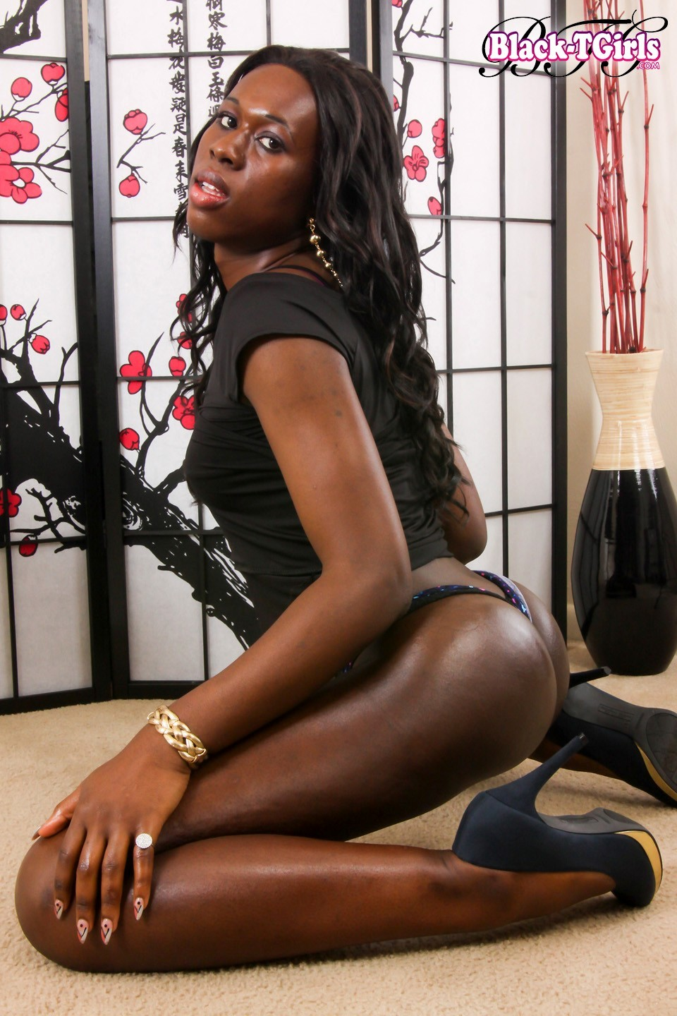 voodoo inviting black godess posing and teasing