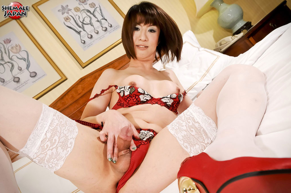 yuuki tominaga mama san the lady of the house in red panties